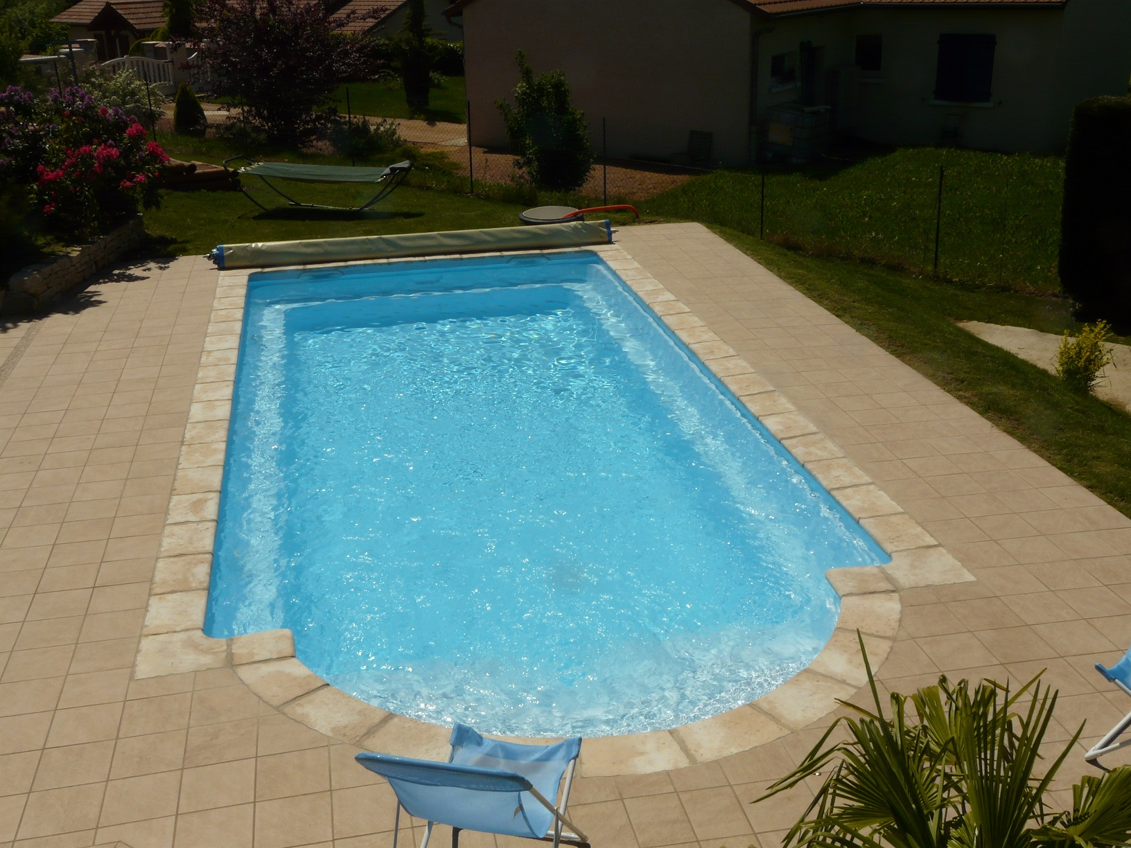 Dalle en b ton arm bordure de trottoir b ton d sactiv for Construction piscine
