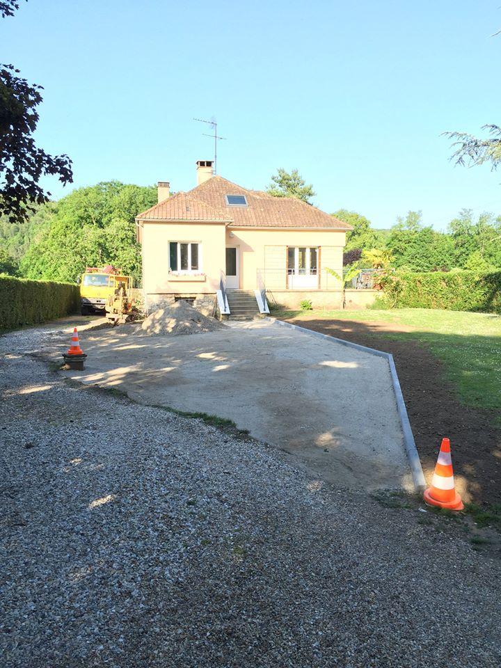 Bordure de trottoir à Acquigny près de Louviers