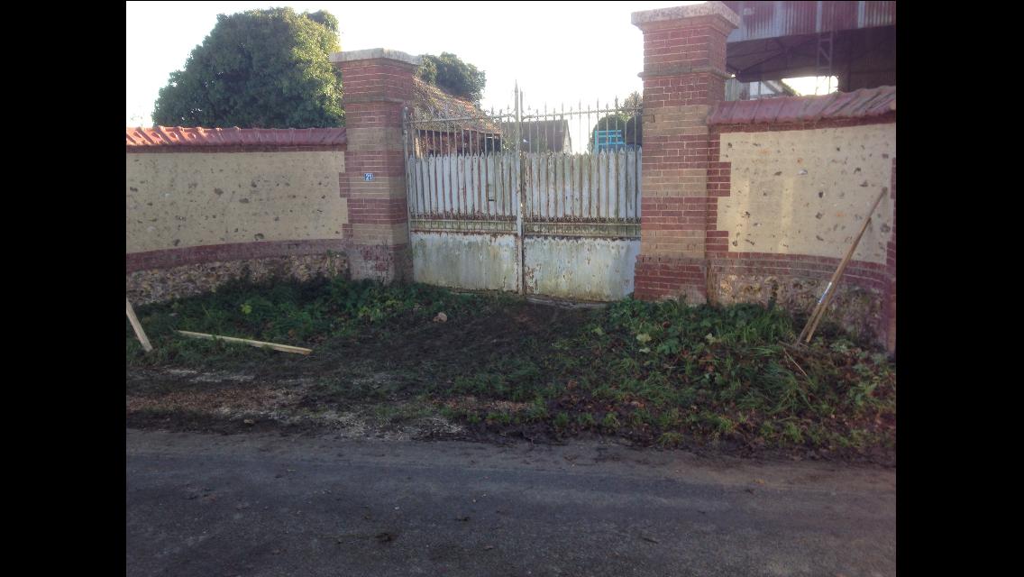 Terrasse - allée - entrée en béton désactivé à Louviers - Gaillon