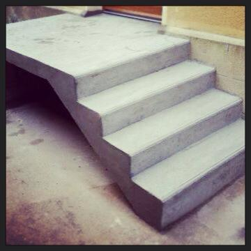 Escalier en béton armé au Vaudreuil